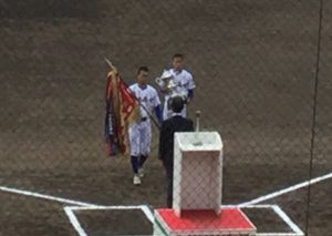 健大高崎 昨年度優勝旗返還